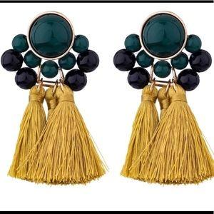 Yellow fringe earrings !!😍